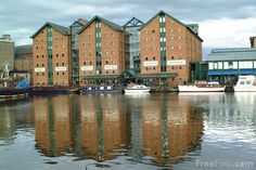 Picture of Gloucester Docks - Free Pictures - FreeFoto.com