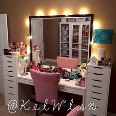 My dream beauty room planner for 2018 and makeup collection Vanity Makeup Rooms, Closet Vanity, Vanity Room, Vanity Set, Vanity Ideas, Makeup Vanities, Mirror Vanity, Makeup Storage Organization, Make Up Storage