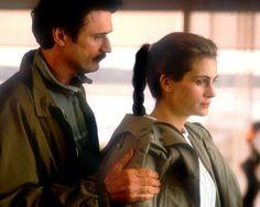 """Patrick Bergin y Julia Roberts en """"Durmiendo con su enemigo"""", 1991"""