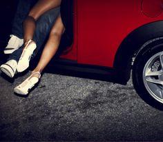 Onderweg met de auto en halverwege de rit (see what we did here?) wel zin in een potje sex? Pas op dat je geen boete voor onbehoorlijk bedrag in het openbaar krijgt of dat je plots een hele horde toeschouwers hebt. Met deze tips geniet je optimaal van sex in de auto.