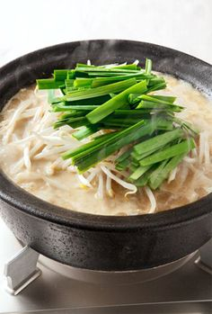 Healthy Recipe: Beansprout Hotpot (Nabe) with Sesame, Miso and Garlic, Winter Comfort Dish in Japan|もやしとニラの鍋 #nabe