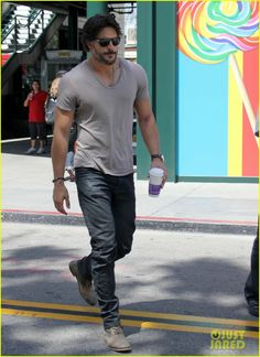 Joe Manganiello: 'Extra' Appearance! OMG........ Can't handle it.