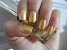 Nails of the Week: Sally Hansen – Goldie Frocks | thevaultJM