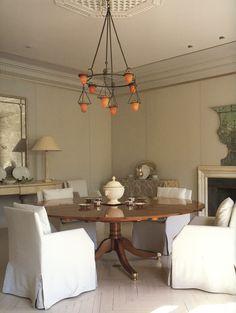 John Saladino Dining room