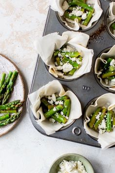 These Asparagus and Feta Tartlets with Phyllo Crust are so easy to make – the perfect Spring appetizer, brunch, or lunch dish! Phyllo Cups, Skinnytaste, Non Stick Pan, Weight Watchers Meals, Asparagus, Baking Recipes, Feta, Vegetarian Recipes, Brunch