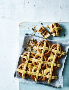 A new twist on the classic Easter bake. Grab a pack of bread mix and give this hot cross bun recipe a swirl Cross Buns Recipe, Bun Recipe, Simnel Cake, Dairy Free Treats, Sweet Dough, Bread Mix, Hot Cross Buns, Easter Treats, Easter Food