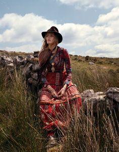 ╰☆╮Boho chic bohemian boho style hippy hippie chic bohème vibe gypsy fashion indie folk the . Moda Hippie, Hippie Chic, Hippie Style, Hippie Elegante, Bohemian Mode, Hippie Bohemian, Gypsy Style, Boho Gypsy, Bohemian Style