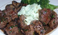 Dinner Is Served: Tender Sirloin Tips Served With A Rich Gravy & A Side Of Garlic Mashed Potatoes