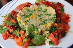 Quinoa con guisantes y ensalada / Platos principales / Arroz & otros Cereales / HazteVeg.com