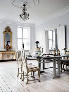 gustavian / Dining room