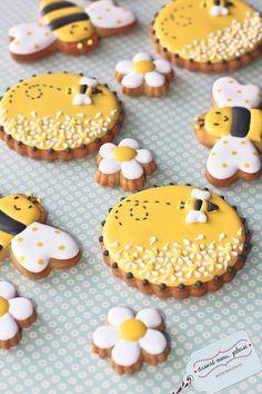 honey bee cookies~          By dessert menu please, Yellow black
