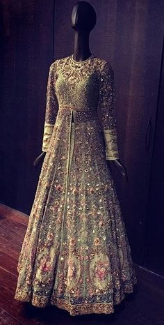 33 Ideas Wedding Reception Dress Sparkly For 2019 Indian Wedding Outfits, Pakistani Outfits, Bridal Outfits, Indian Outfits, Bridal Dresses, Party Outfits, Indian Reception Outfit, Wedding Dress, Pakistani Bridal