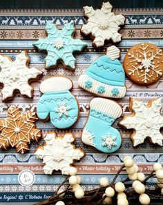 A place for people who love cake decorating. Holiday Cookie Recipes, Holiday Cookies, Christmas Desserts, Christmas Treats, Christmas Baking, Mini Christmas Cakes, Blue Christmas, Christmas Goodies, Cute Cookies