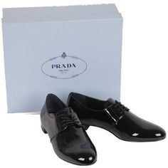 Preowned Prada Black Patent Leather Oxfords Shoes Lace Up 40 1/2 ($402) ❤ liked on Polyvore featuring shoes, oxfords, black, oxford shoes, black patent leather oxfords, lace up shoes, patent oxfords and black patent shoes