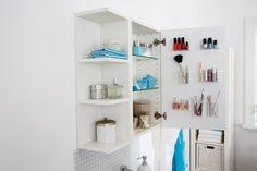Znalezione obrazy dla zapytania przechowywanie kosmetyków w małej łazience