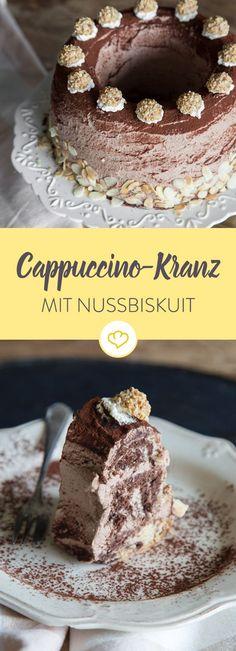 Auch für Teetrinker: Cappucino-Kranz mit Nussbiskuit