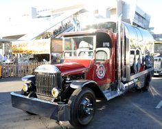 Classic Mack Trucks | Just a car guy : Old Time Tanker Beer (Mack Truck) with before and ...