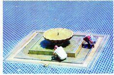 El momento de la ablución en el patio de la mezquita de Fez, en Marruecos, una de las fotografías incluidas en el libro 'El enigma del agua en Al-Andalus' (Lunwerg, 2011), de Cherif Abderrahman, con fotografías de Inés Eléxpuru.