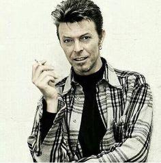 Bowie Beauty: Mouth. I think this might be one of my favorites....#davidbowie #bowie #davidrobertjones #bowielove #starman #stardust #ziggy #ziggystardust #thethinwhiteduke #lovebowie #davidbowietribute #bowietribute #davidbowieforever #bowieforever #beautifulbowie #sexybowie #aspectsofbowiebeauty #bowiemouth #bowiecheekbones
