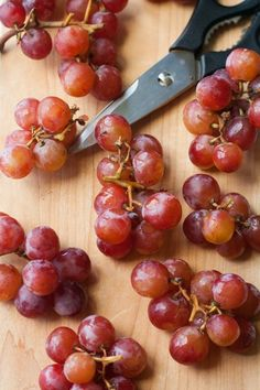 Here Is the Correct Way to Serve Grapes