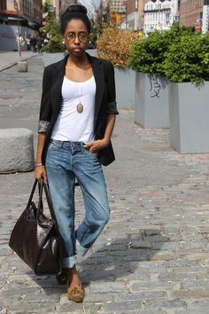 Trendy How To Wear Boyfriend Jeans In Summer Capsule Wardrobe Boyfriend Jeans Outfit Summer, Jeans Boyfriend, Moccasins Outfit, Look Jean, Mode Simple, Fall Jeans, Oversized Blazer, Street Style Summer, Style