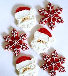 Christmas cookies decorated with royal icing Santa Cookies, Iced Cookies, Royal Icing Cookies, Holiday Cookies, Cookies Et Biscuits, Snowflake Cookies, Cute Christmas Cookies, Christmas Sweets, Christmas Desserts