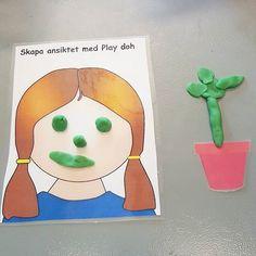 Det finna många roliga och kreativa sätt att arbeta med Play Doh. Ett exempel är att använda laminerade bilder som inspiration till skapande. Möjligheterna är oändliga👍 . . . #kreativabarn #förskola #preschool #material #skapande #playdoh #playdohlera #förskollärare #preschoolteacher #lärmiljöer #atelje Play Doh, Toddler Play, Preschool, Barn, Tips, Inspiration, Instagram, Creative, Biblical Inspiration