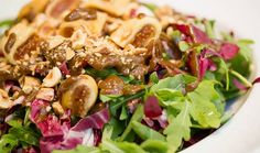 ArtTable | Αθήνα: Τα καλύτερα στέκια για χορτοφάγους Holidays, Chicken, Meat, Food, Holidays Events, Holiday, Essen, Meals, Yemek