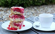 Bleskový+rybízový+koláč.+Recept+od+maminky. Panna Cotta, Raspberry, Fruit, Ethnic Recipes, Food, Dulce De Leche, Essen, Meals, Raspberries