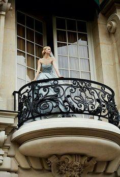 Balcon Juliette, Juliette Balcony, Paris Appartment, French Wedding Style, Shangri La Hotel, Balcony Railing, Balcony Grill, Paris France, Pergola