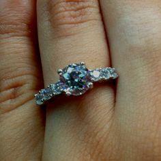 My beautiful engagement ring!!