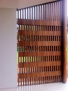 Luscious Modern fence gate,Modern fence design ideas and Wooden fence on slope. Fence Landscaping, Backyard Fences, Garden Fencing, Pallet Fence, Gabion Fence, Dog Fence, Horse Fence, Concrete Fence, Farm Fence