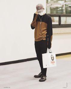 "KAI 카이 & CHANYEOL 박찬열 on Instagram: ""160504 Kai @ Haneda Airport cr. jankid  My pretty boy! #EXO #KAI"""