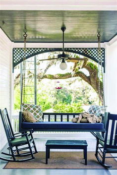 front patio 48 Amazing Southern Living Porch Swing Bed Ideas You'll Love - Craft Home Ideas Outdoor Spaces, Outdoor Living, Patio Swing, Swing Beds, Porch Swings, Ann Street Studio, Southern Porches, Diy Porch, Porch Decorating