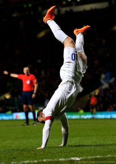 Wayne Rooney celebrates scoring his second goal against Scotland Soccer World, World Of Sports, Football Is Life, Wayne Rooney, You'll Never Walk Alone, England Football, Soccer Stars, Man United, England