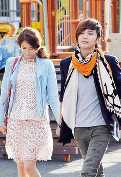 Yoona and Jang Geun Suk, the perfect match made in Heaven Love Rain Drama, Recommended Korean Drama, Best Kdrama, Playful Kiss, Drama Funny, Seo Joon, Jang Keun Suk, Romance, Look At The Stars