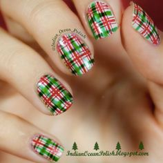 Christmas plaid nails by @indian_ocean_polish || 25 Amazing Christmas Nail Designs