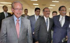 El empresario Pepin Corripio, el presidente Danilo Medina y el director del diario Hoy Bienvenido Alvarez Vega.