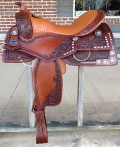 Continental Saddlery -The Original-  If this had a black seat it would be really cool