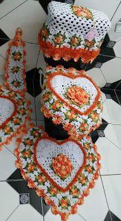 56 Ideas For Crochet Granny Square Flower Blanket Link - Her Crochet Crochet Poncho, Crochet Granny, Crochet Motif, Crochet Doilies, Crochet Flowers, Crochet Patterns, Crochet Kitchen, Crochet Home, Crochet Crafts