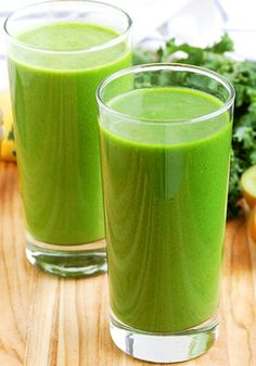 Kale and Kiwi Super powered Green Smoothie