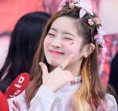 Logo Twice, Twice Jungyeon, Twice Dahyun, Tzuyu Twice, Mamamoo, K Pop, Signal Twice, Mbti Type, Twice What Is Love