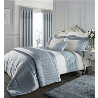 A very luxurious and elegant looking duvet cover set in a beautiful Duck Egg tone and Ivory.  Lovely quilted embroidered effect finished with Velvet trim that completes the sophisticated look. £48.99