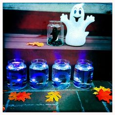 Boo-minaries! A super simple craft for Halloween night!