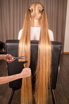 Down Hairstyles, Girl Hairstyles, Beautiful Long Hair, Amazing Hair, Long Hair Cuts, Long Hair Styles, Anime Haircut, Bald Head Women, Bald Heads