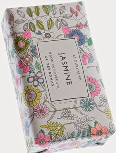 print & pattern: spring 2015 - dot com gift shop Flower Packaging, Pretty Packaging, Beauty Packaging, Brand Packaging, Packaging Ideas, Food Packaging, Soap Packing, Savon Soap, Luxury Soap