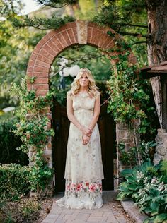 Floral Claire Pettibone Wedding Dress | Jacque Lynn Photography | Wedding Styling Spotlight on Michelle Leo Events