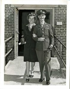 The Hacksaw Ridge true story reveals that Desmond Doss married Dorothy Schutte on August before going on active duty. Desmond first met Dorothy at church in Lynchburg, Virginia. The real Dorothy Schutte and Desmond Doss (left) were married on August Mel Gibson Hacksaw Ridge, Okinawa, Desmond Doss, Conscientious Objector, New Movies, World War Ii, True Stories, I Movie, American History
