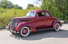 1937 Ford Deluxe.