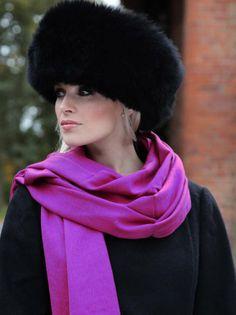 Fancy Hats To snow Mobil in. Fancy Hats, Cool Hats, Love Hat, Red Hats, Headgear, Hats For Women, Ladies Hats, Beautiful Gowns, Headdress